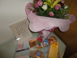 078 Flowers, sweets, sweet words